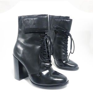 A7eije Velcro lace up above the ankle booties.